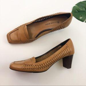 Etienne Aigner camel heels
